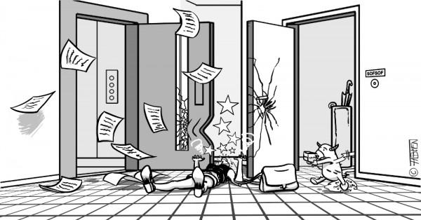 Sofsof se cogne contre la porte de l'ascenseur